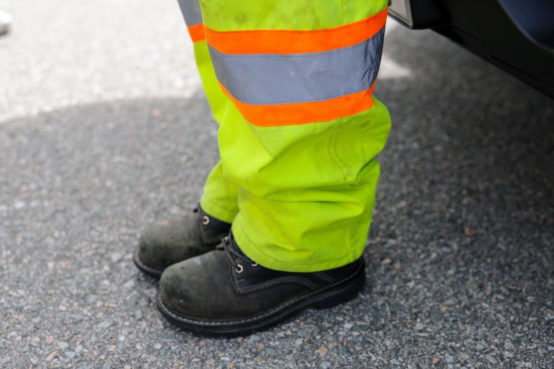 traffic control person training.jpg