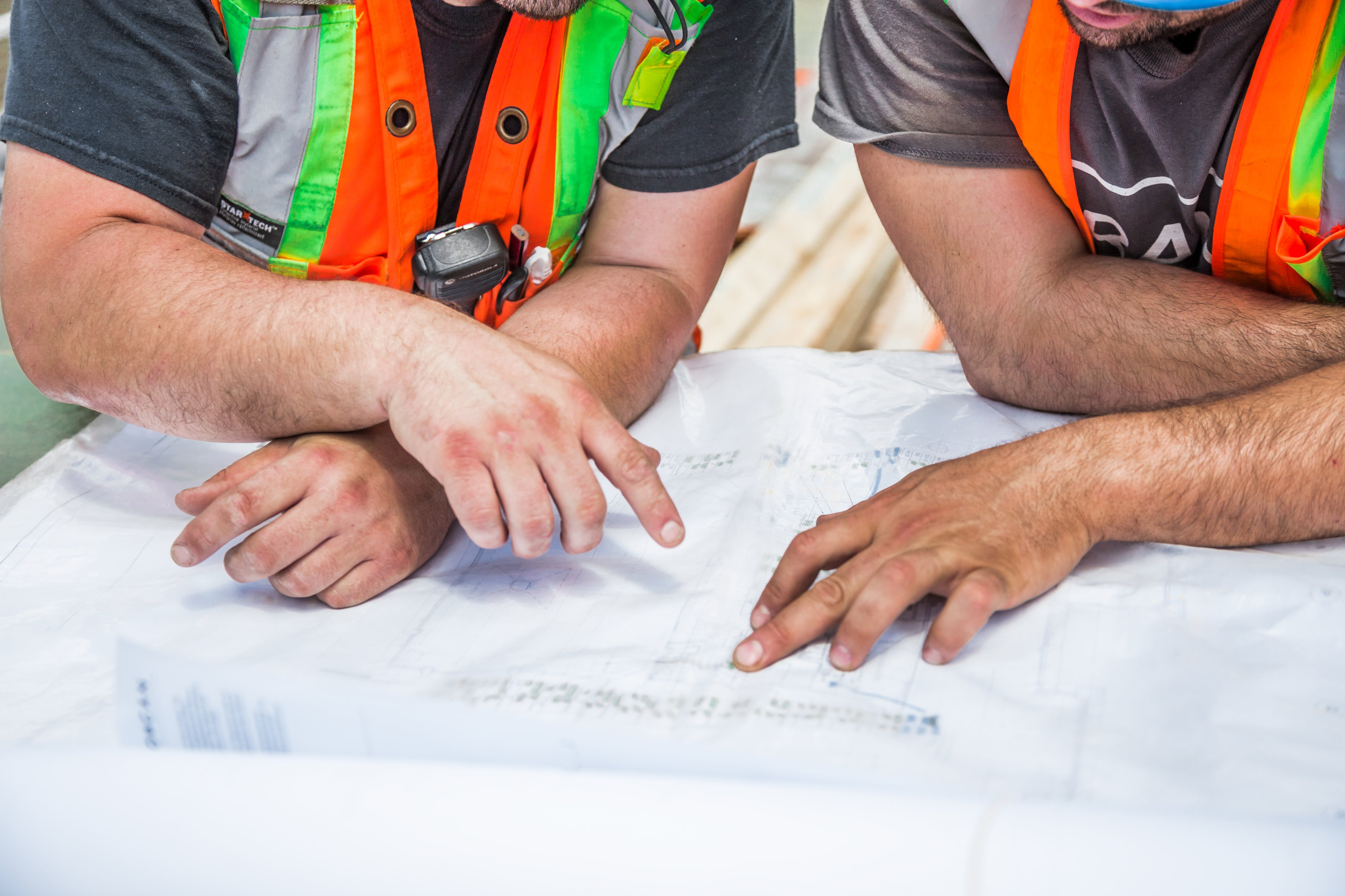 how-to-manage-subcontractors.jpg